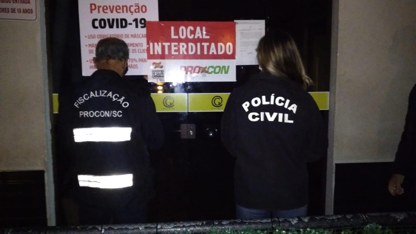 PROCON SC interdita casa noturna que comercializava bebidas adulteradas